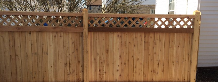 CEDAR SOLID UNIVERSAL DESIGN WITH 1' OF DIAMOND LATTICE