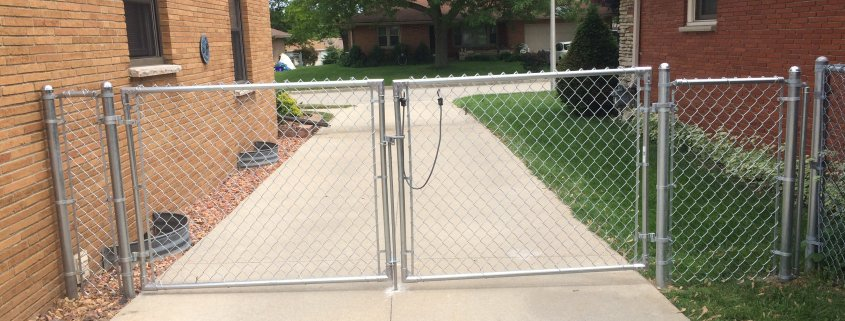 GALVANIZED CHAIN LINK DOUBLE DRIVE GATE