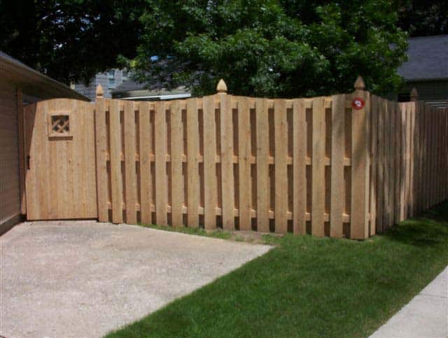 CEDAR CONCAVE SHADOW BOX DESIGN WITH ARCHED GATE